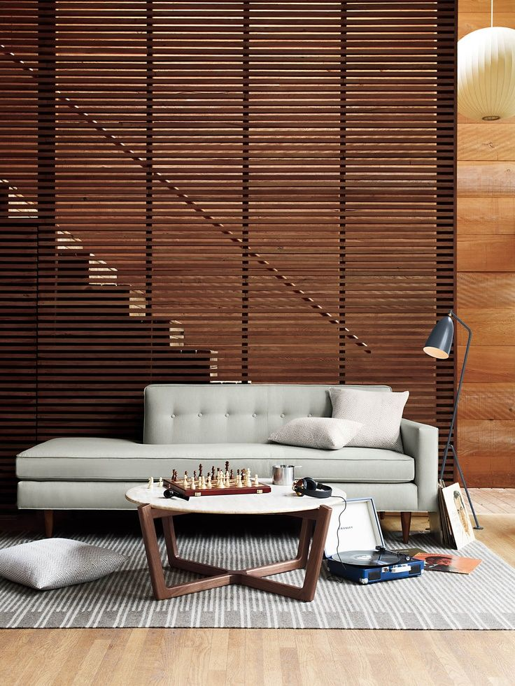 Horizontal pattern for staircase wall
