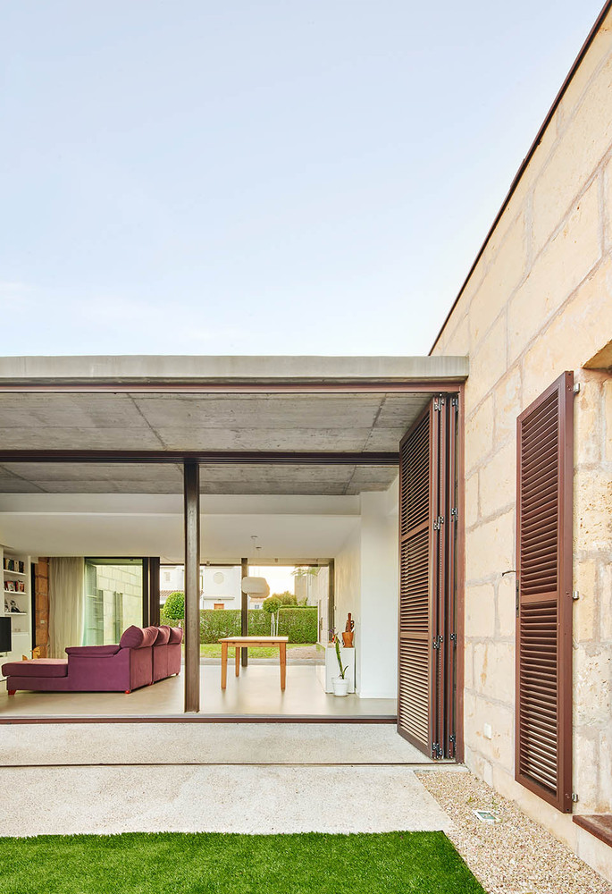 It's Carnatge House / Honey Architects
