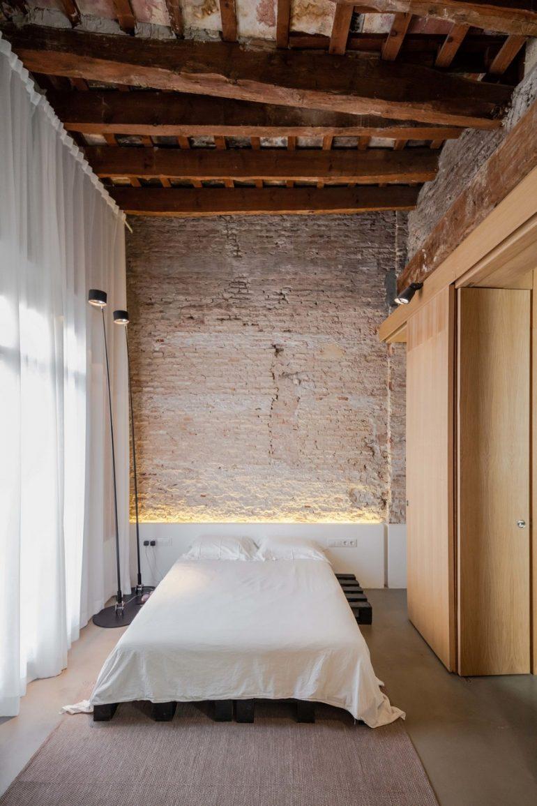 Musico Apartment in Valencia by Roberto Di Donato Architecture