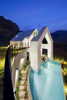 Pool Villa in South Korea by Rieuldorang Atelier