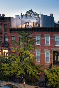 Greenwood Heights Rooftop Addition by Ben Herzog Architect