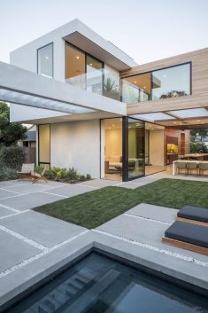 Venice House by Walker Workshop