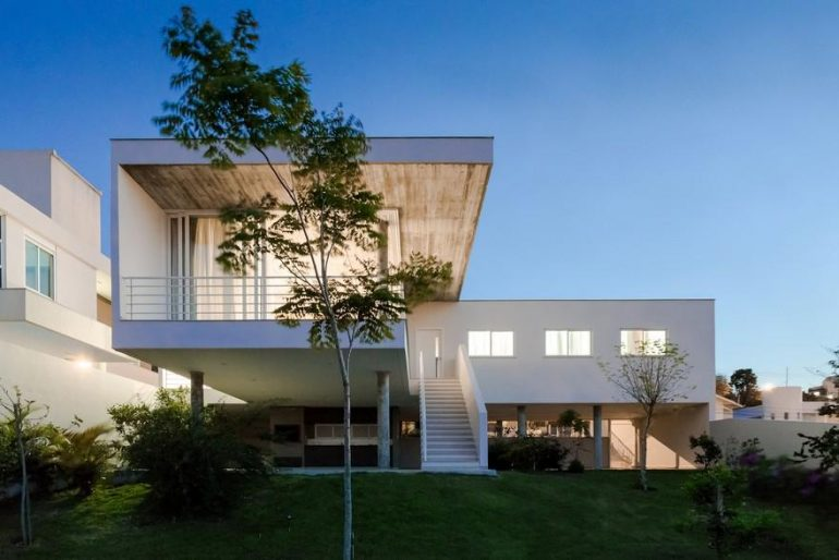 Concrete White House In Brazil Overlooks The City From Above