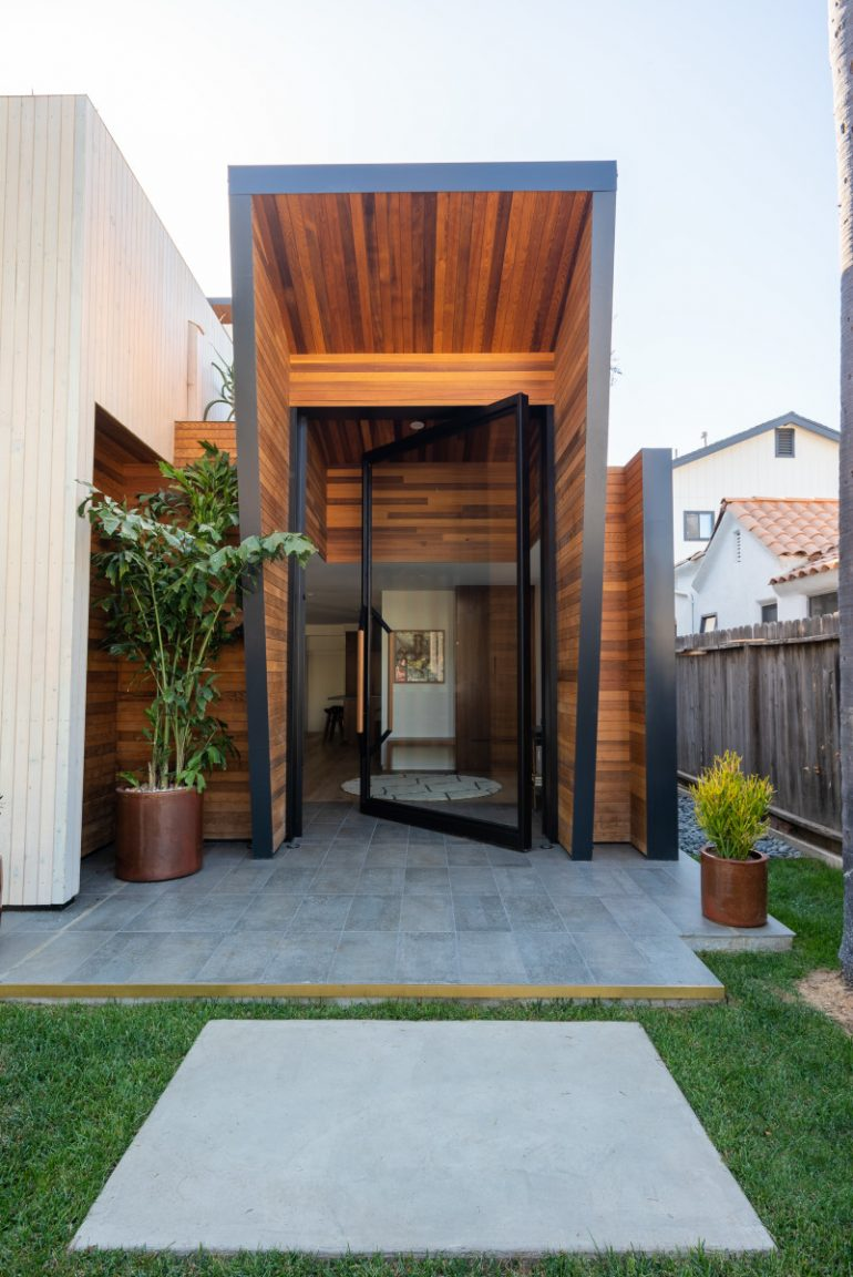 This cool contemporary house in venice beach will have you for Build your own modern home