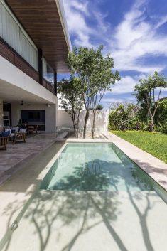 Abierta House by Roberto Ramírez Pizarro