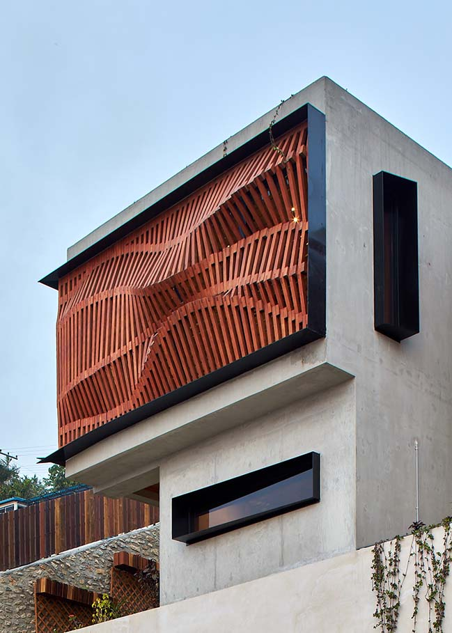 Brise Soleil House by Studio Workshop
