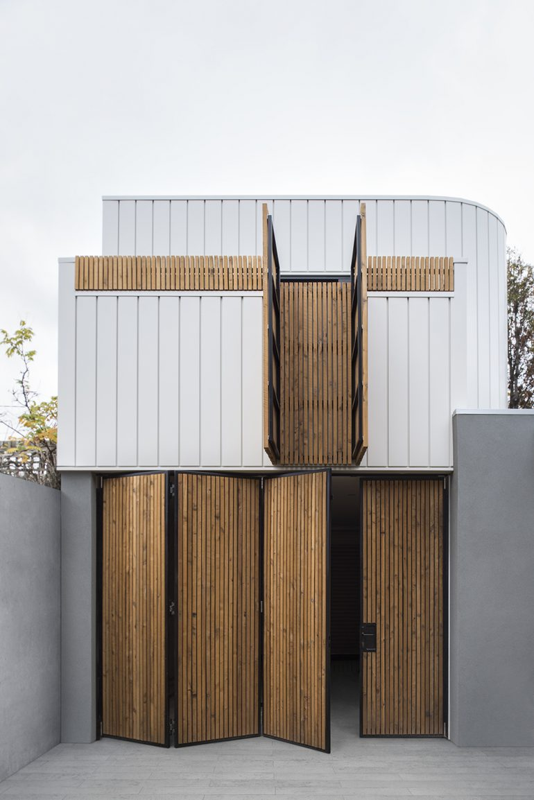 Port Melbourne House by Winter Architecture