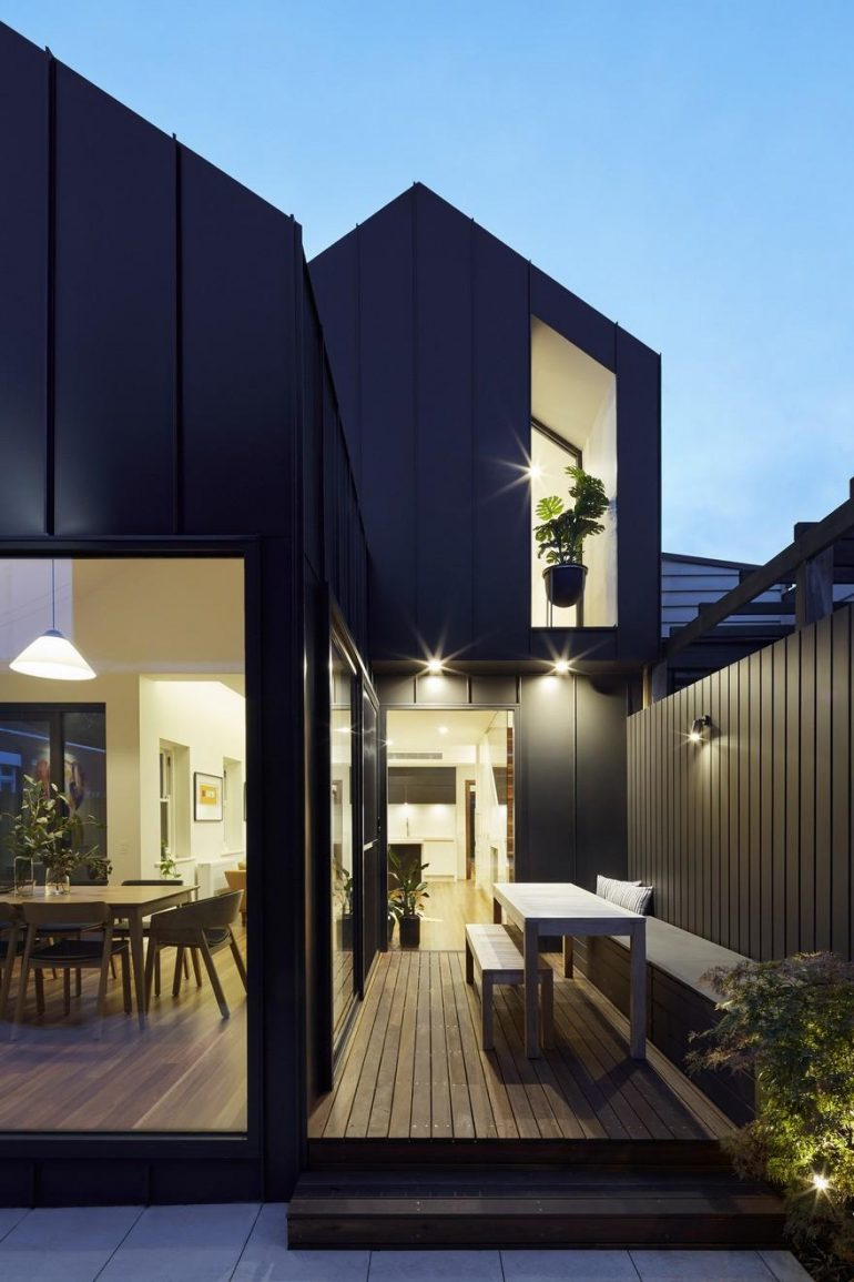 Shadow House / Nic Owen Architects