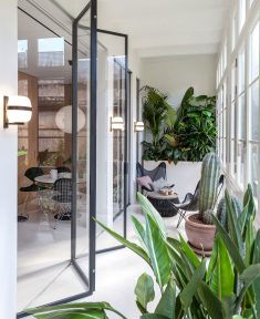 Contemporary Apartment by YLAB Arquitectos