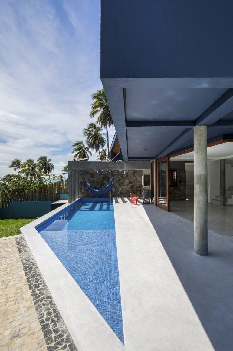 Casa Por Do Sol / Vilela Florez Studio