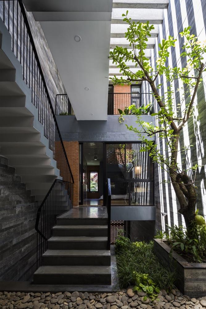 Resort in House / ALPES Green Design & Build