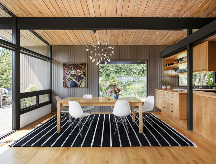 A Mid-century Modern Home in Seattle