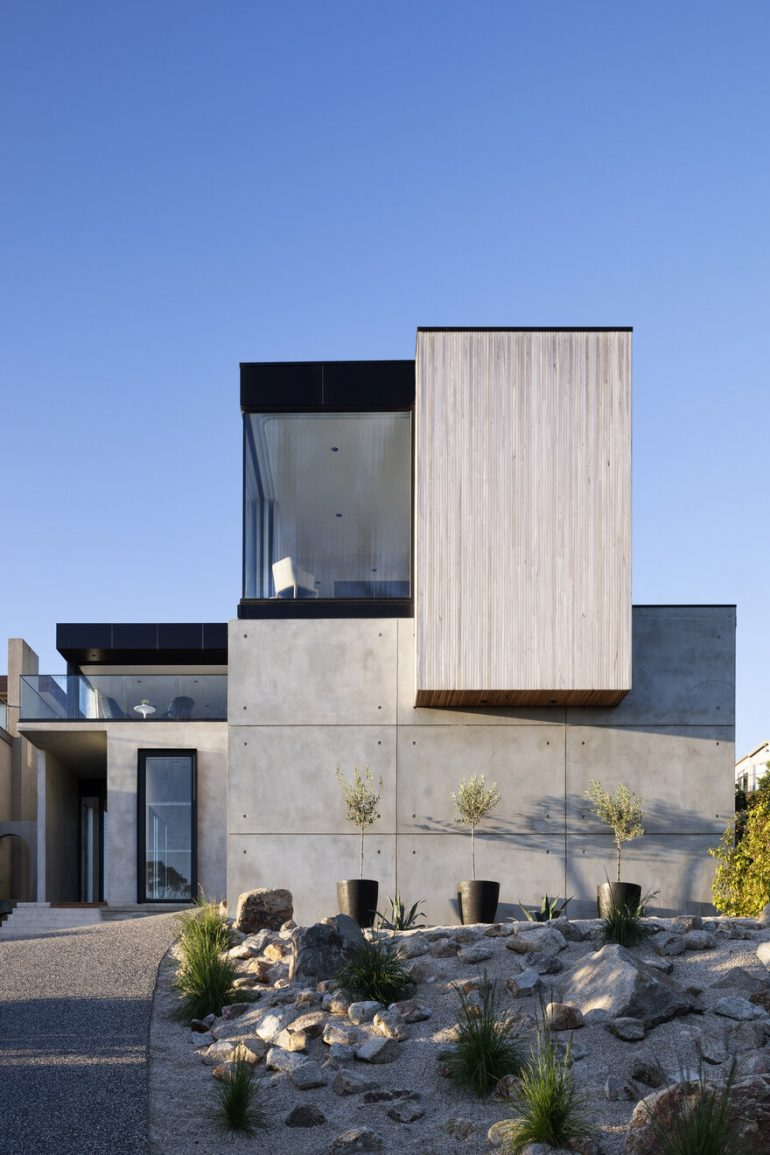 Timeless Contemporary Home in Mount Martha, Victoria