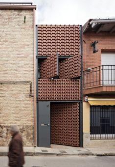 Piedrabuena House / MUKAarquitectura