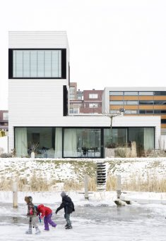 Urban Villa / Pasel.Kuenzel Architects