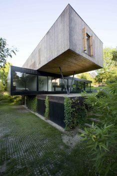 R House in Sèvres | Colboc Franzen & Associés