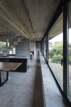 Cariló House by Luciano Kruk. A Holiday Home by the Sea