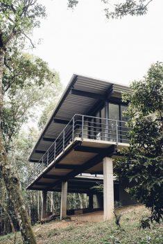 Casa Caucaia / Hungarian Architecture Studio