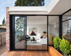 Kew Villa / McManus Lew Architects