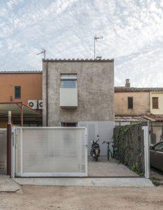Montserrat Nogués. House 4R . Girona