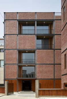 RKDS's brick house in New Delhi is a modernist-inspired material patchwork