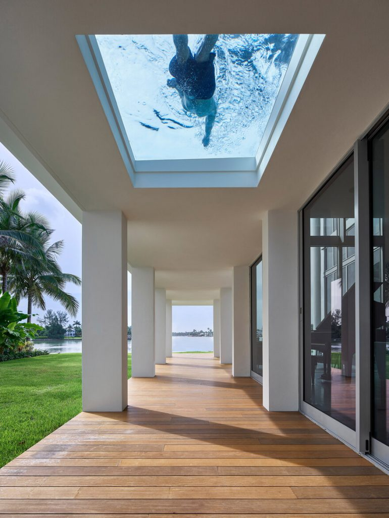 San Marino Residence – Indoor-Outdoor Experience within a Tropical Landscape