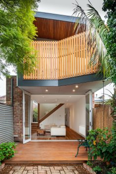 Treehouse Terrace House / Green Sheep Collective