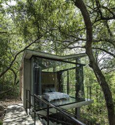 House in the Woods / WEYES Estudio\