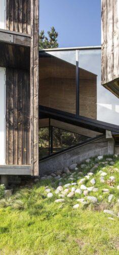 Curaumilla House / Andrés Riveros + Crescente Böhme Alemparte