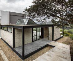 Ojito de Agua House Extension / Lacaja Arquitectos