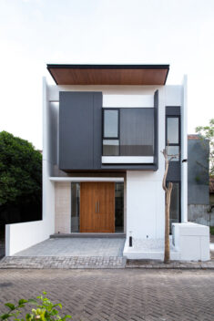 MONOHOUSE Chapter I / MONOSTUDIO